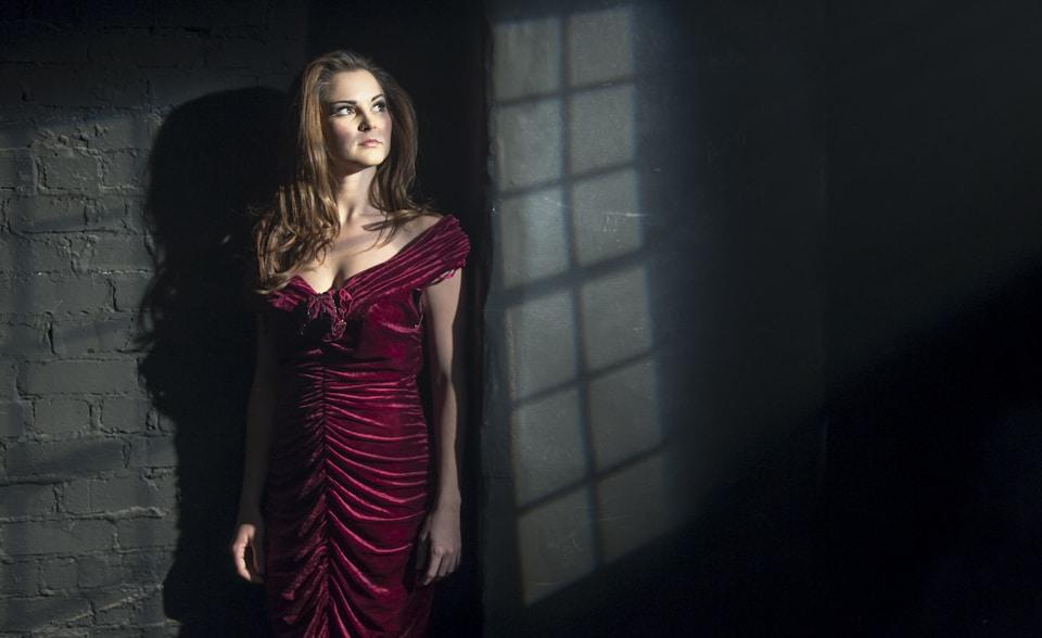 Samantha Bruce - Actress